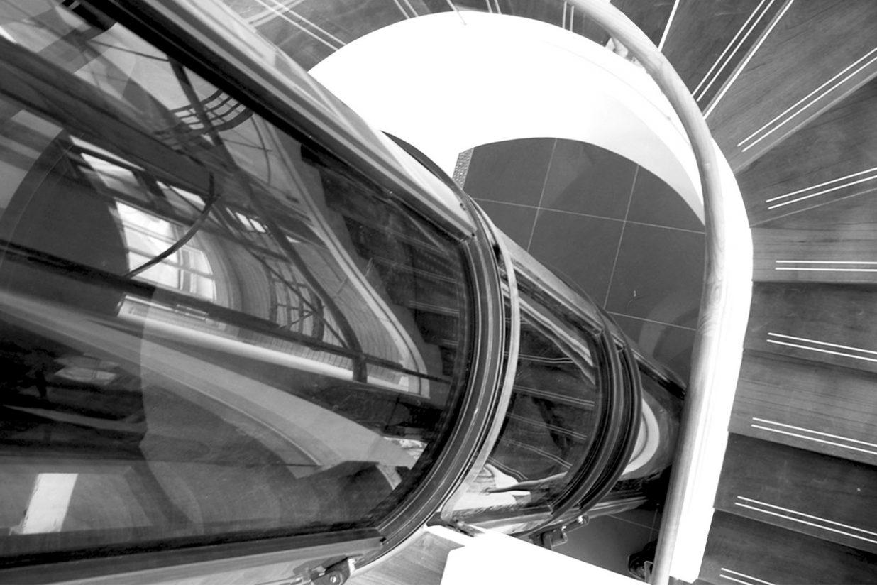 ascensor o elevador de personas